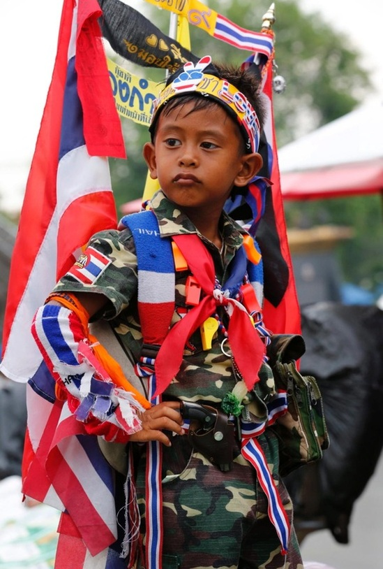 Shinawatra protest boy Thailand